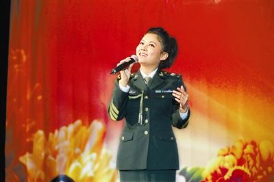 总政歌舞团青年演员阿鲁阿卓演唱的《遇上你是我的缘》,清亮婉
