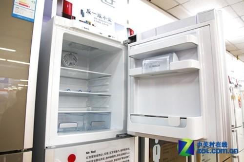 博世冰箱采用精确的电脑智能温控软件,通过温度传感器技术,对压缩