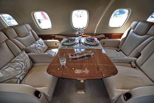 组图:成龙私人飞机内景曝光