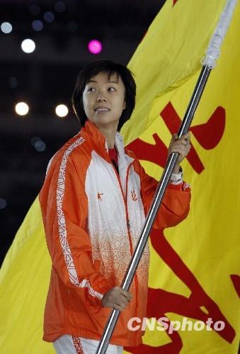 奥运冠军妈妈 张怡宁退役产女 杜丽扛枪奋战