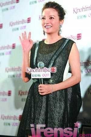赵薇写真恢复小燕子时期颜值六段情史已成过去