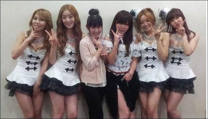 萝莉 成员/AKB48成员访问SISTAR后台萝莉穿女仆装斗艳(高清)