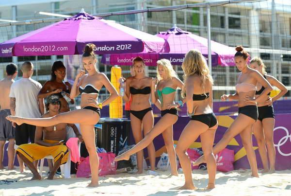 伦敦奥运会沙滩宝贝热舞排练