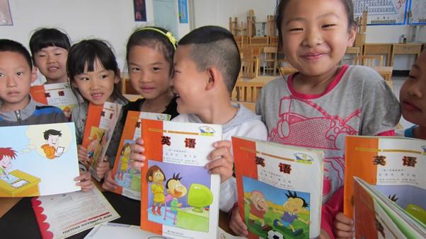 中小学开学 教育部专家解读点读版英语新教材