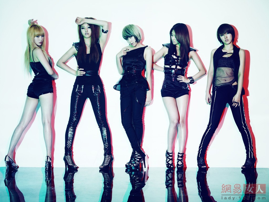 少女时代T ara 韩国女子团体都要有美腿 Secret大开M字腿