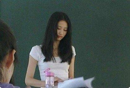 广东外语外贸大学南国商学院的美女老师林雪薇