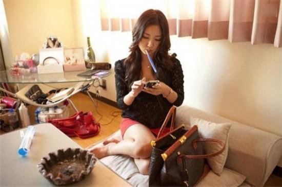 组图:什么职业遭韩日美女疯抢?每小时赚300元人民币