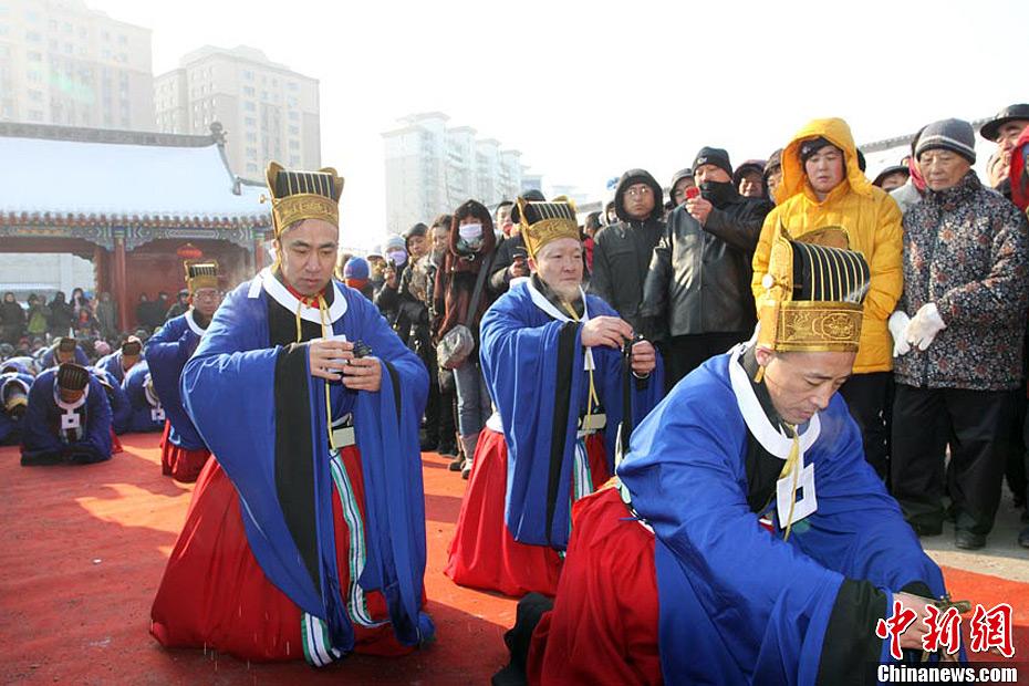 蛇年正月初一 - 人在上海  - 中華日报Chinadaily