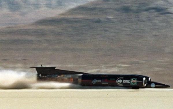 世界十大超音速试车纪录 蓝鸟汽车飞驰在澳大利亚平原 高清图片