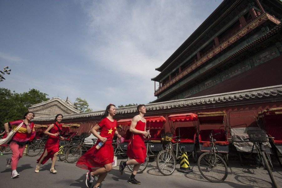 """5月11日北京举行\""""红裙跑\""""活动今年的\""""红裙跑\""""活动至..."""