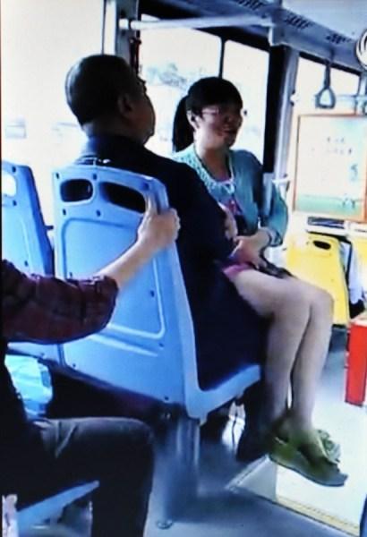 在新加坡如何坐公交和地铁