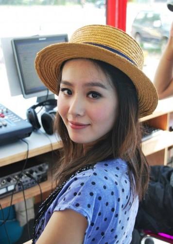 赵薇刘诗诗李宇春 盘点拥有完美侧脸的女星