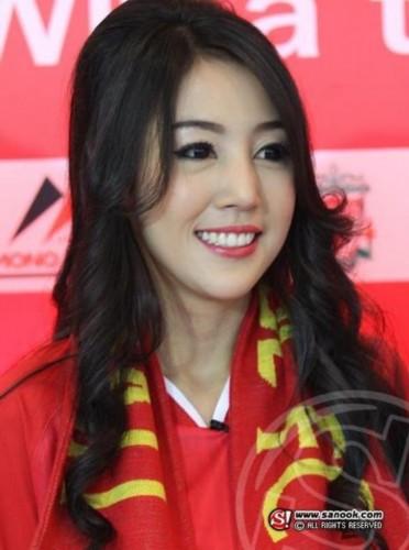 泰国华人美女性感领风骚组图 竖