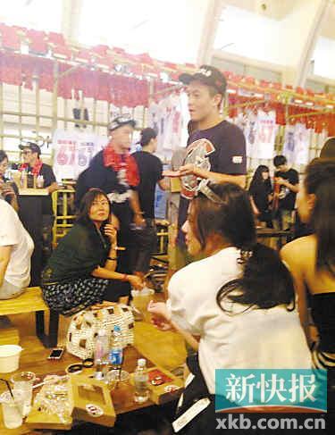 陈冠希否认为还债狂接演出 被指老态遭调侃像赵本山