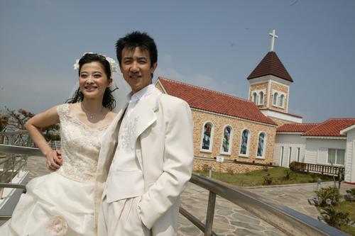 梅婷二婚产女微博报喜 那些头婚嫁错人的女星