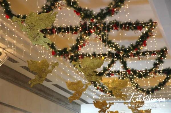 香港圣诞装饰纷呈 装点浓厚节日气氛