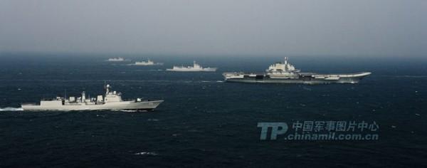 军方首次公开航母编队训练照