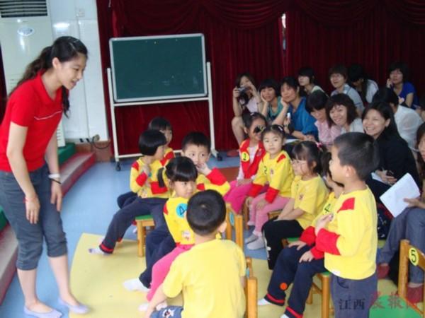南昌幼儿园老师供不应求 民办幼儿园教师大多无证上岗
