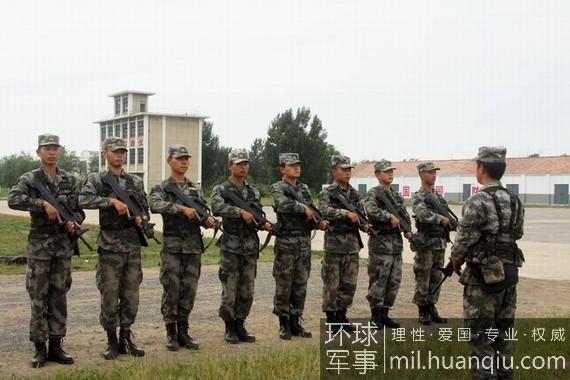 全国首届军事训练营:八一飞行表演队助阵