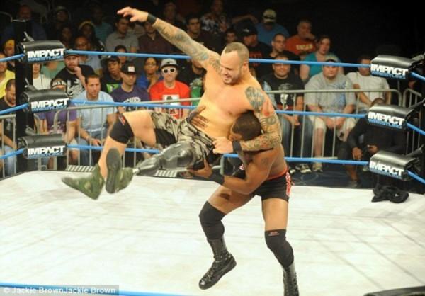 ...wwe美国职业摔跤手---the   《美国职业摔角联盟2010》评测 ...