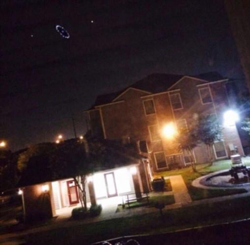 * 快讯!休斯顿上空的神秘UFO 不明飞行物 形似圆环 (FY组图) - UFO外星人资讯-名博 - UFO外星人不明飞行物2014