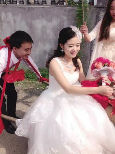 80岁娶20岁新娘杨