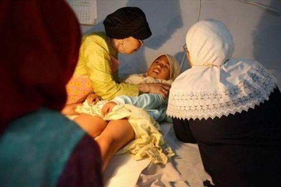 非洲女孩割礼 13000万妇女为避免性快感残忍行礼