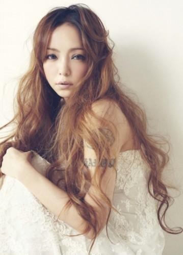 逆生长!日本37岁辣妈歌手似17岁少女组图 竖