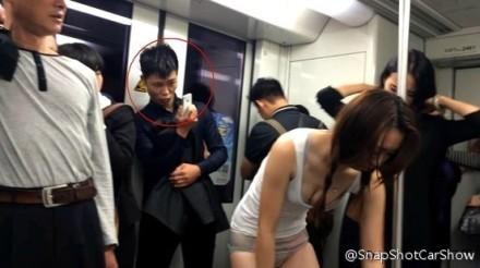 地铁福利照片_咸猪手无处不在盘点地铁上的女色狼