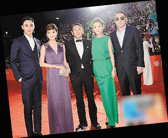 釜山电影节开幕 中国抢镜团略狠图片