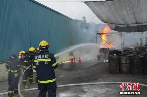 废油桶怎样做柴火灶