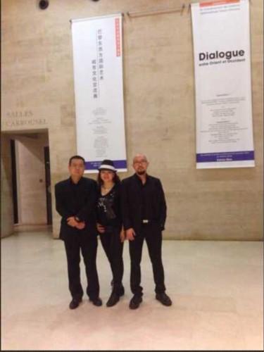 中法建交五十周年大型文化艺术展览在巴黎卢浮宫卡鲁斯厅开幕