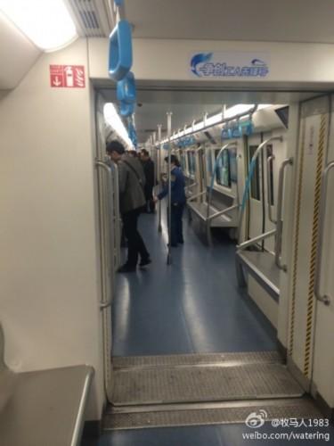 成都地铁1号线列车车门故障