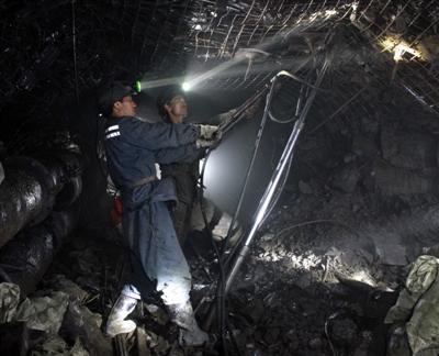 煤矿5000米井巷深处展风采