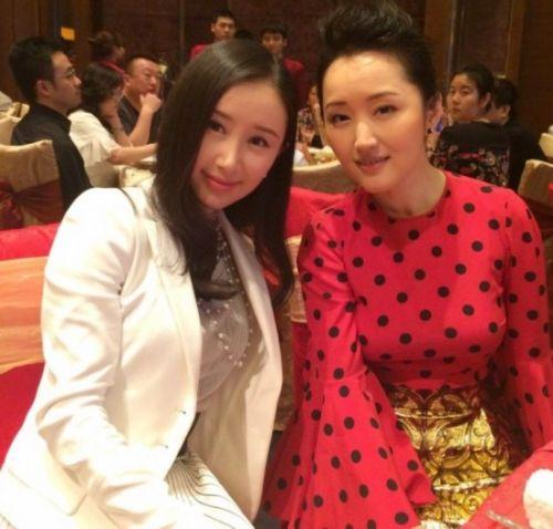 日本43岁美女外婆走红
