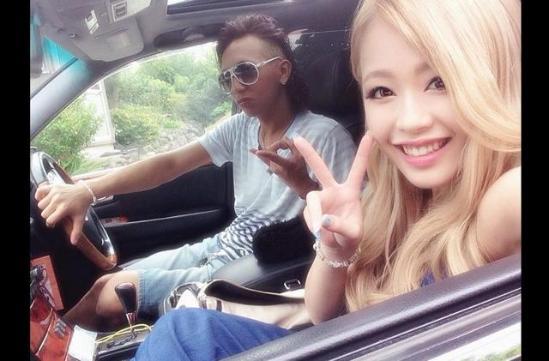 日本17岁模特宣布当妈晒儿子照片 网友惊呆(图)