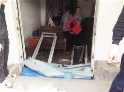 合肥13家涉黄美容院被捣毁屋内查出大量情趣内衣4情趣用品维空间充电器图片