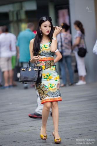15清凉一夏 街拍重庆美女图片