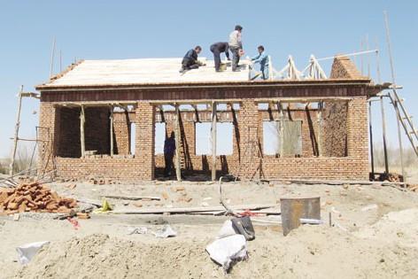 市住建局推进危房改造助力精准扶贫