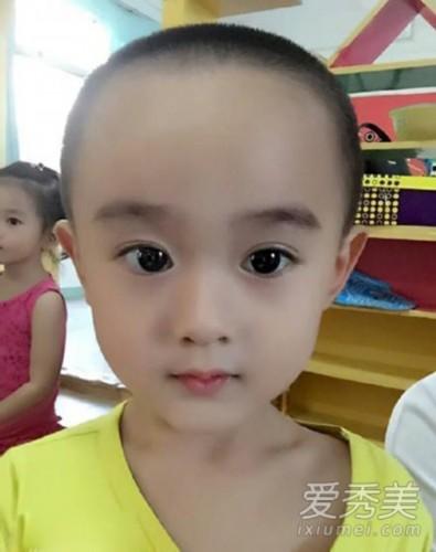 小男孩撞脸赵丽颖:大眼包子脸神相似_新闻中心_中国网