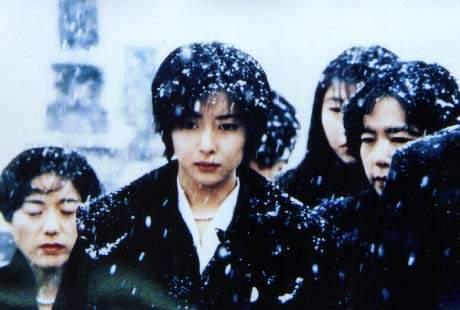 岩井俊二的情书被众多影评人视为日本新电影运动