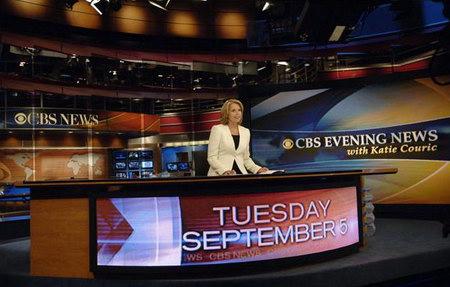 2006年9月,美女主播凱蒂·庫瑞克成為哥倫比亞公司(CBS)《晚間新聞》的新主播。