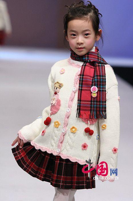 ملابس للبنوتات ..~ملابس جديدة موديلات تنانيز بلايز للبناتملابس