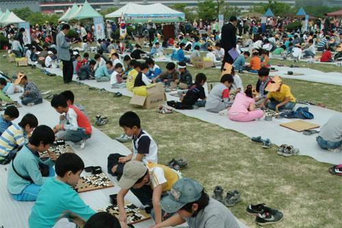 韩国用围棋庆祝儿童节