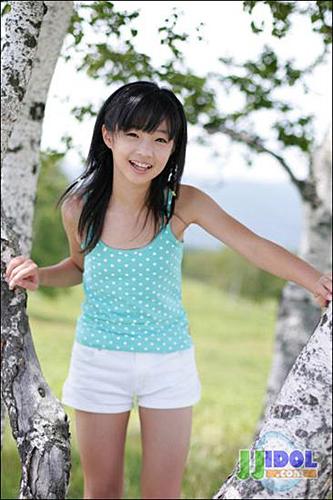 15p日本大妈_u-15 日本15岁以下少女童星受热捧[组图]