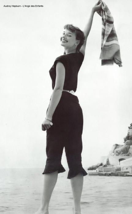 奥黛丽·赫本的优雅背影(组图)