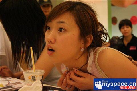 女孩的一天组图 中国