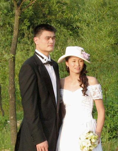 姚明和叶莉的离婚真相_姚明叶莉婚纱照