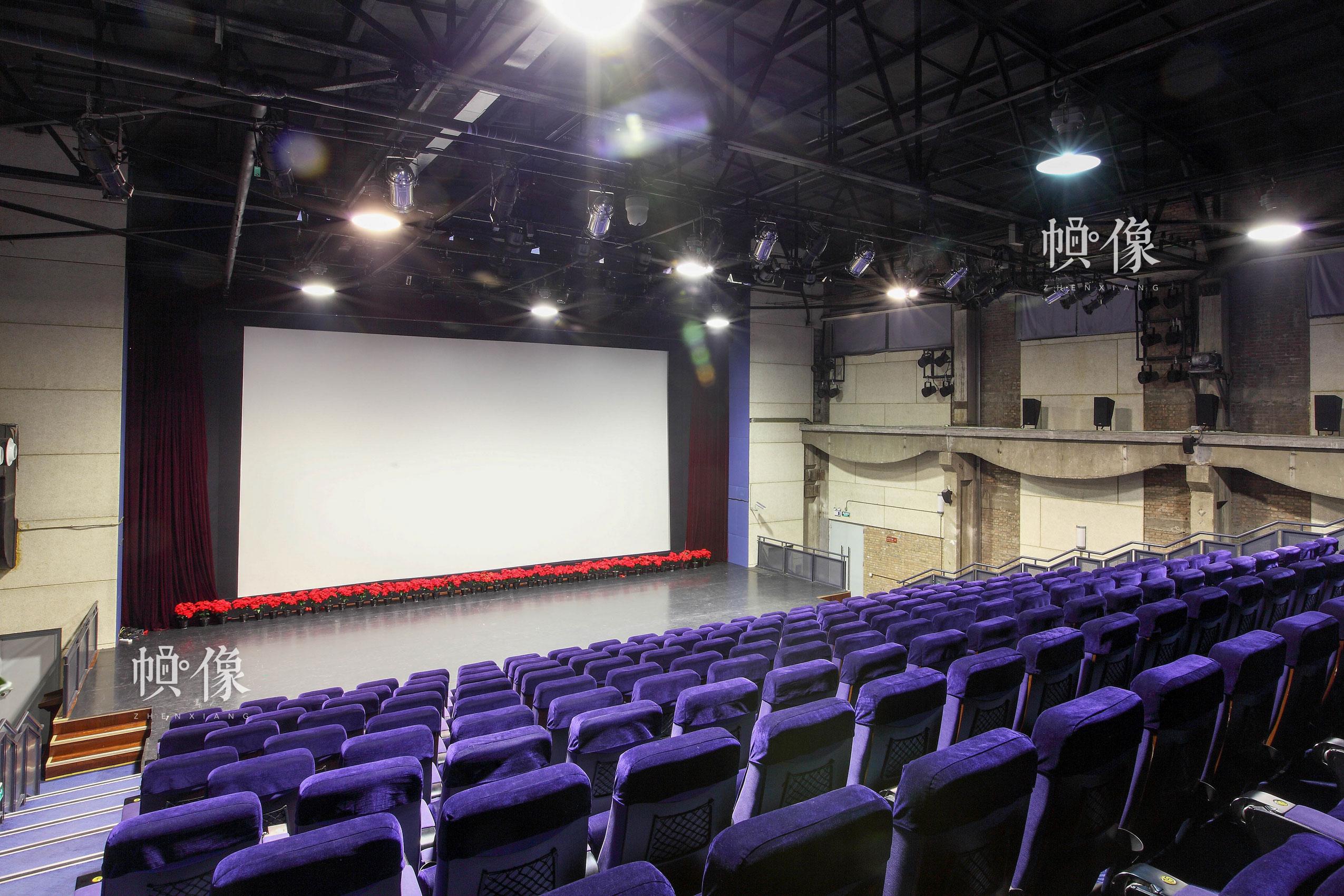 朝阳规划艺术馆3D大剧场,共有205个座位,可提供观看多部影片。朝阳规划艺术馆供图