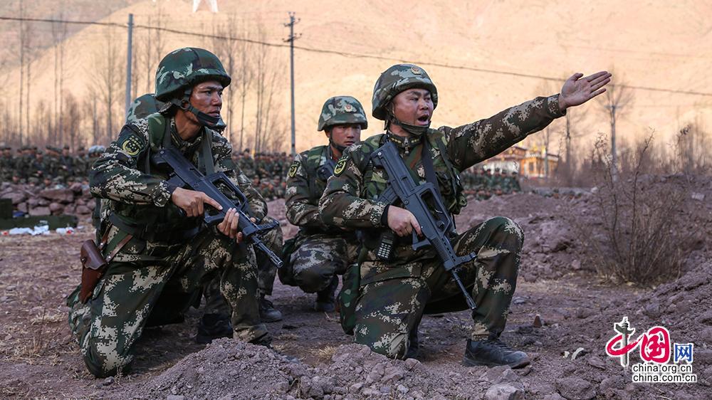西藏武警机动部队_【直击】武警西藏总队吹响强军征程冲锋号 极限训练锻造雪域 ...